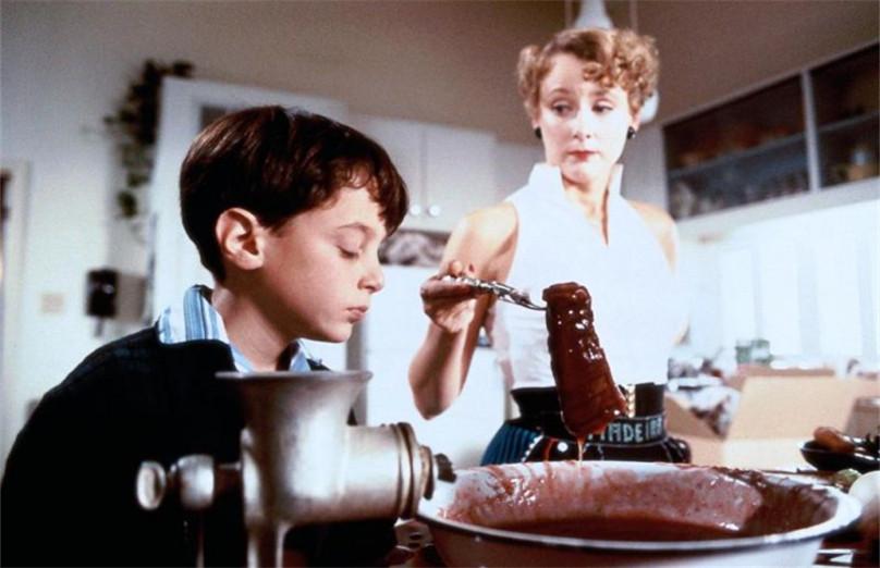 #惊悚看电影#父母竟是恐怖食人族,少年应该何去何从?