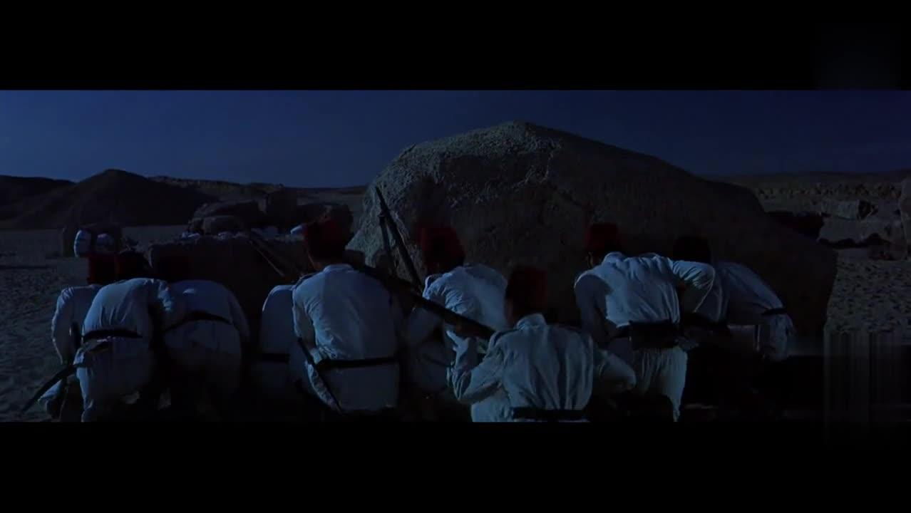 不管多么勇敢落后就要挨打,挥舞马刀的骑兵对英军一夜围攻反被追
