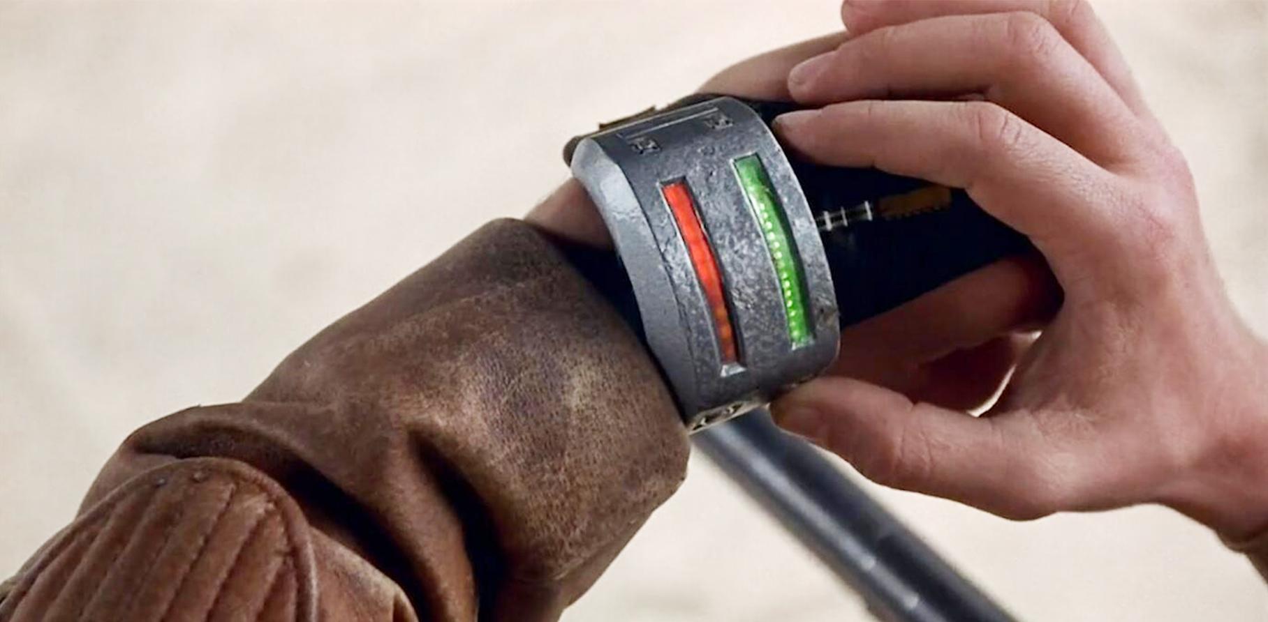 2078年在这颗星球上,不佩戴这个手环,没走多久就可能丧命