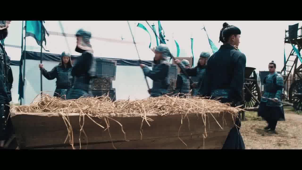 女子进军营还抓将军夫人却被将军抓