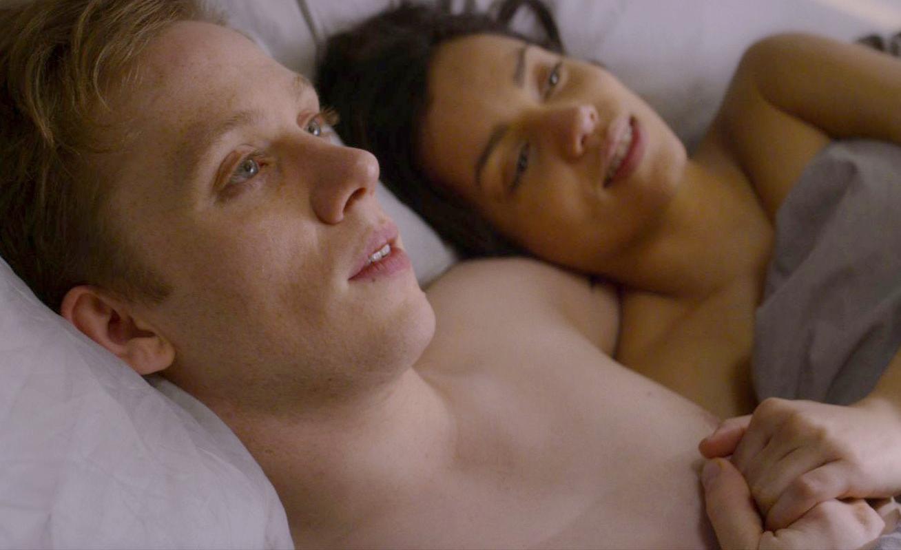 #羞羞看电影#男女开房1000次,才能配对相亲!