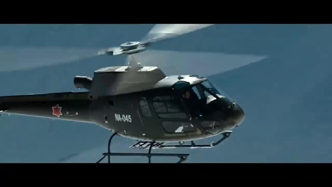 #经典看电影#直升机到高海拔雪山救人,到极限升限差点坠毁