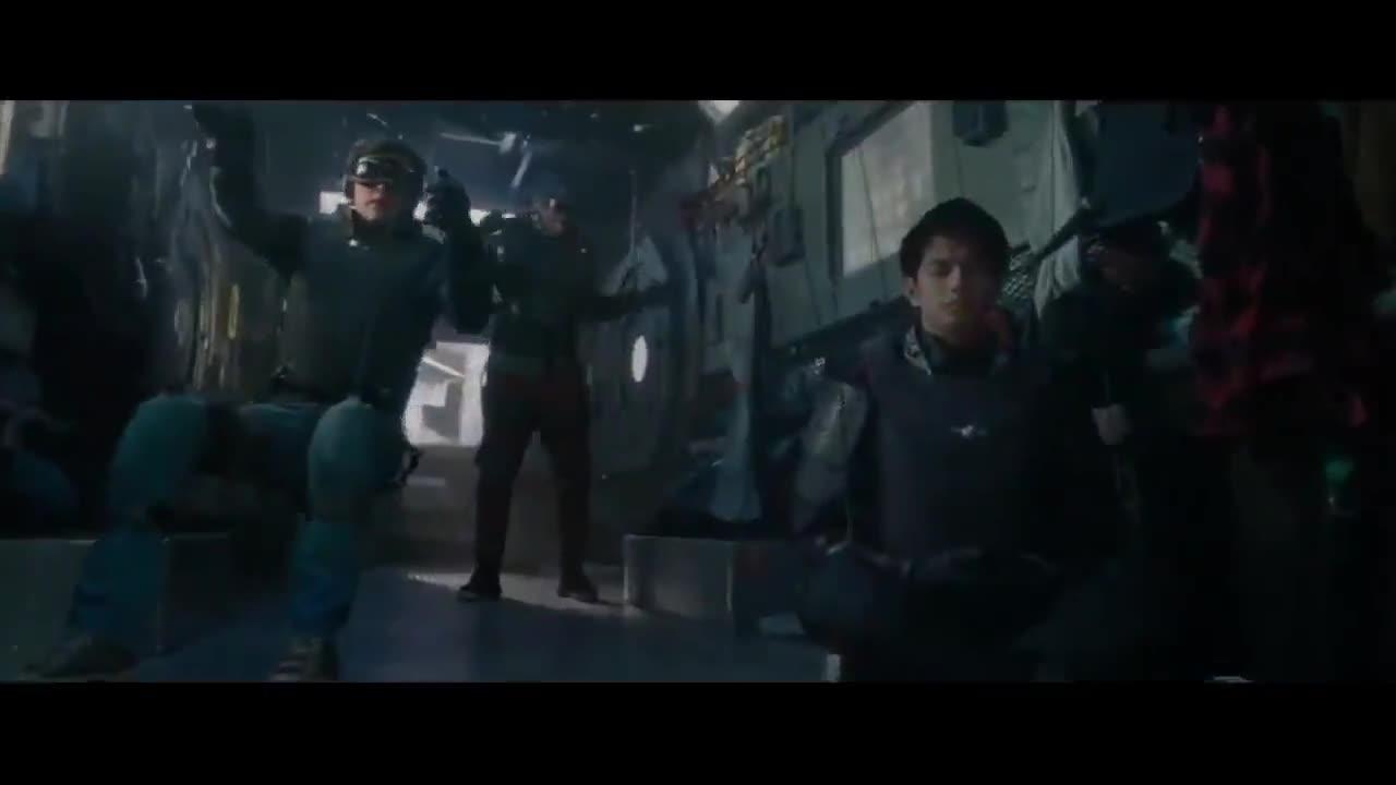 #经典看电影#钢铁巨人在战场上大杀四方,机械哥斯拉霸气出场
