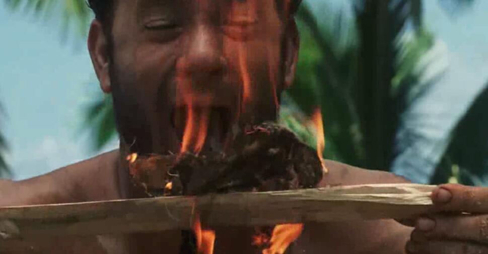 #经典看电影#男子坠落无人荒岛艰苦生存四年,还学会了钻木取火!