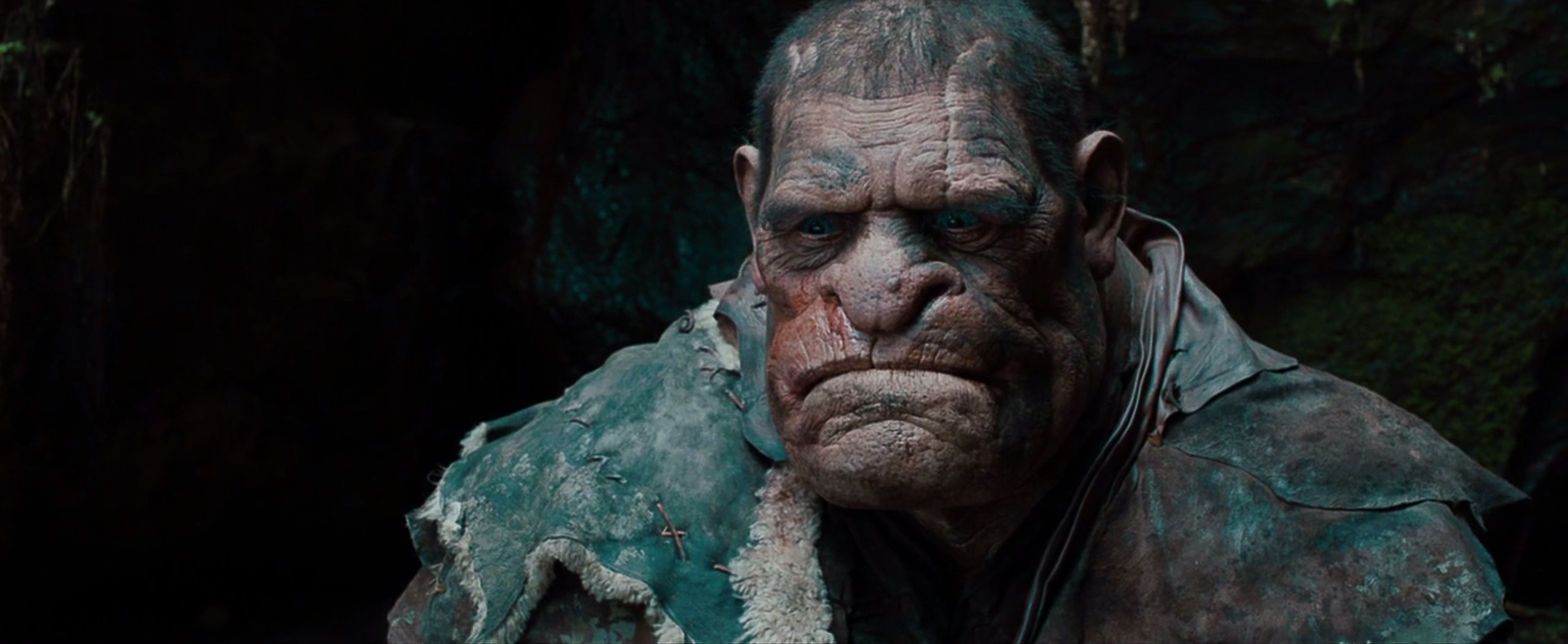 #经典看电影#热特效分享之《女巫猎人》中小巨怪化妆,你猜他是如何看清路的?