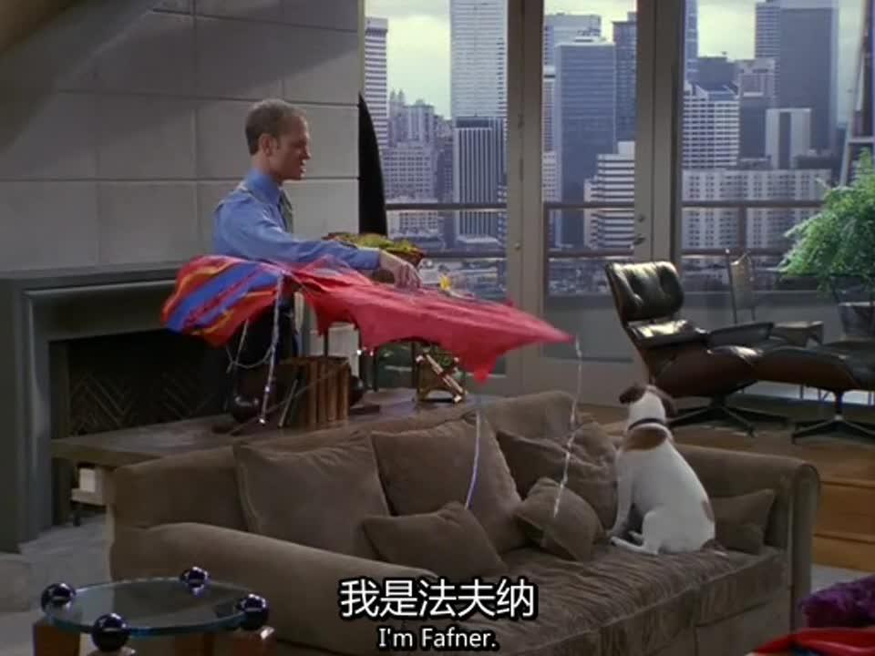 儿子背着父亲,偷偷在阳台放风筝,没想到竟闯出大祸