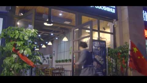 乞丐三番五次进入饭店的惊天秘密 结尾吓坏收银员