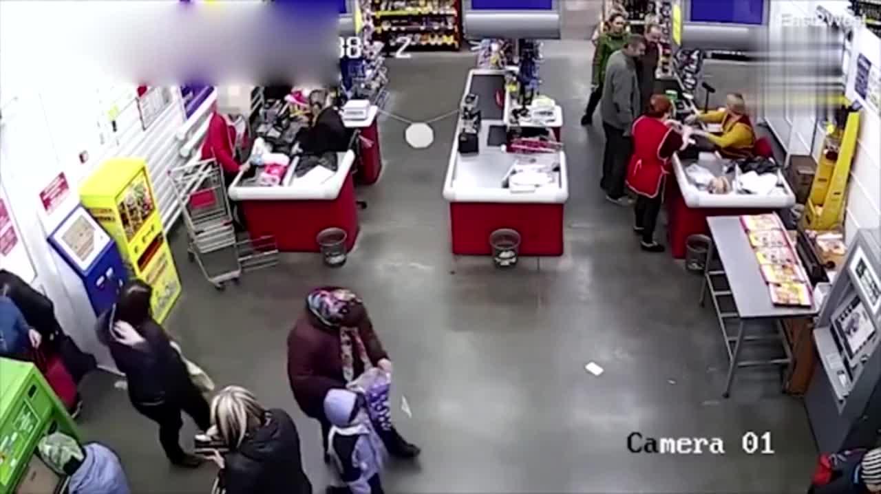 孕妇超市结账羊水破裂 仅用11分钟就地产下男婴