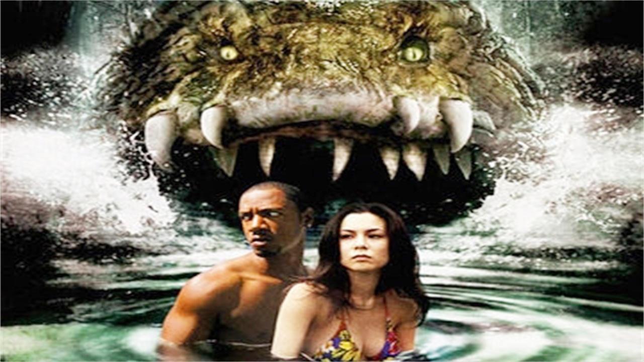 #惊悚看电影#基因改造的水怪越狱,小渔村变得怪事连连,几分钟看《科学怪鱼》