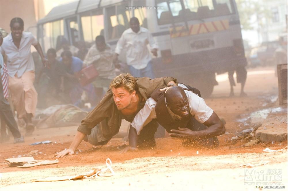 #老司机求片名#《战狼2》暴乱的片段很可能参考了这部电影
