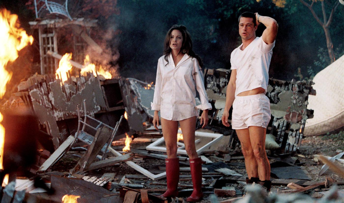 #经典看电影#一部让人大呼过瘾的动作片,杀手夫妻吵架连房子都炸了!