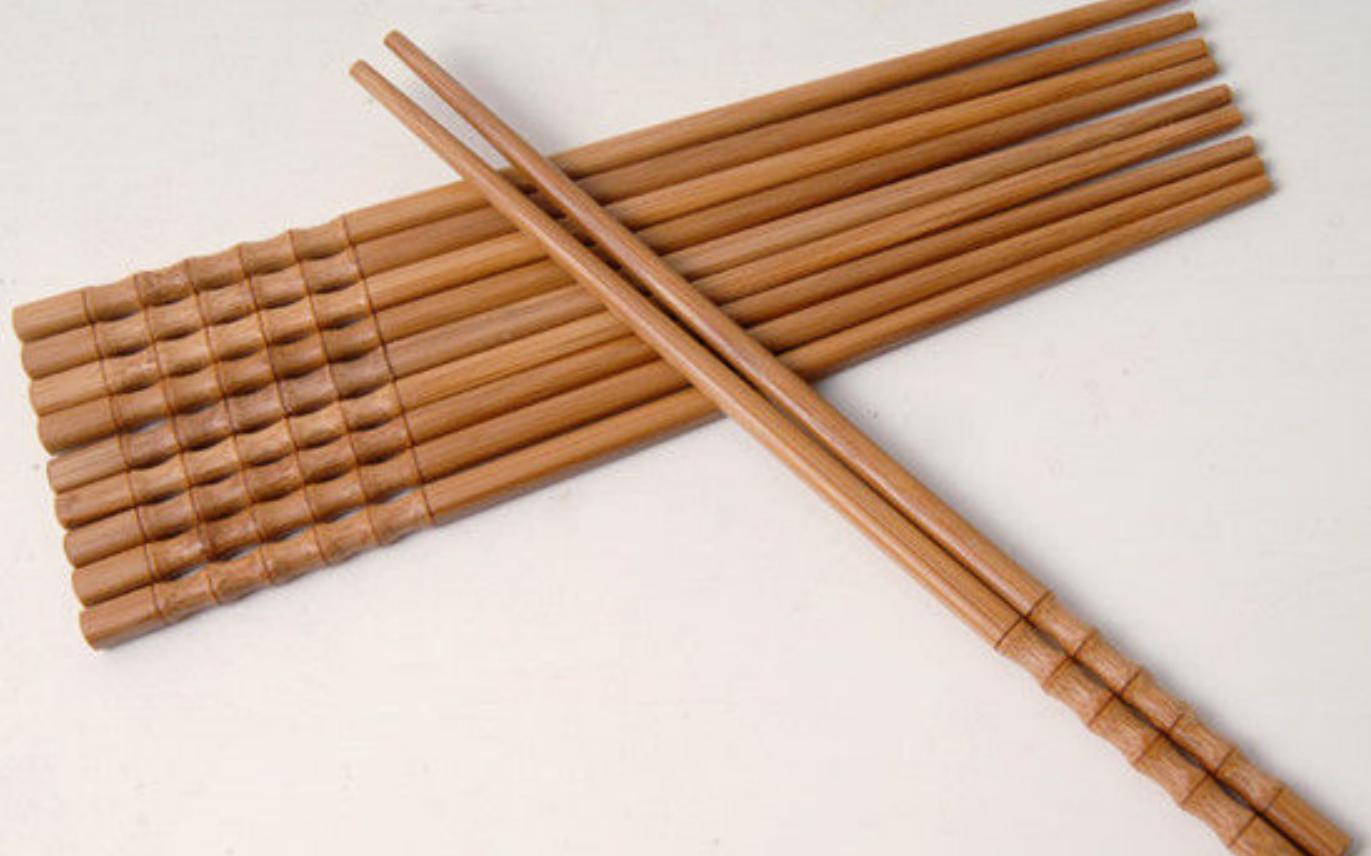 #筷子发霉,小窍门#新买的筷子这样处理一下,一辈子都不发霉不生菌,家家户户都需要