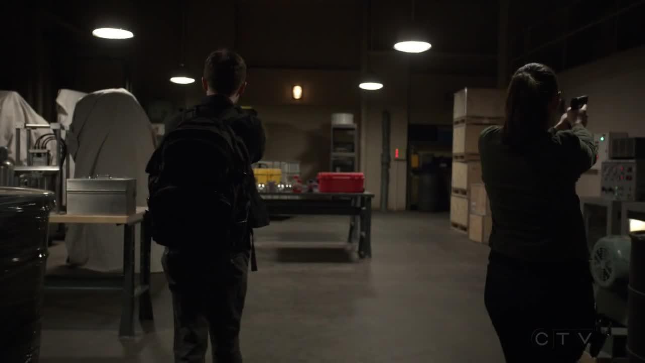 简单包扎后的迪克与黛西争论起来,然而迪克的病情开始恶化