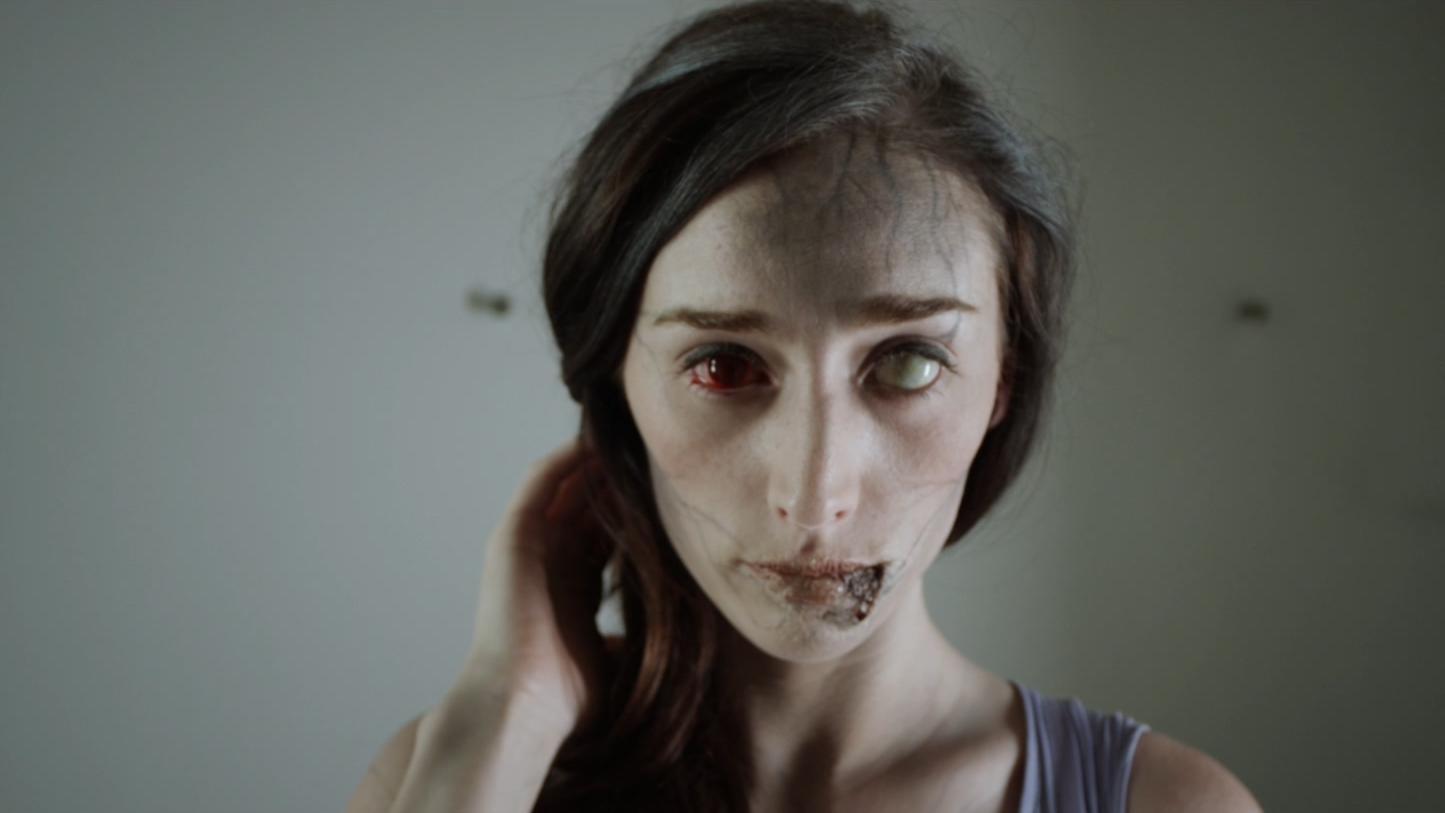 #惊悚看电影#美女一夜情染神秘病毒,后悔不已。五分钟带你看完《神秘感染》,
