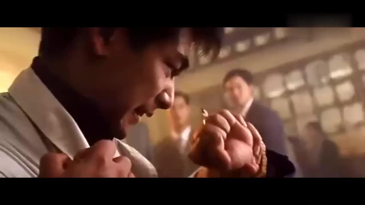 #经典看电影#金玉满堂:超凡集团来满汉楼找事打架,被赵文卓一人全部解决!