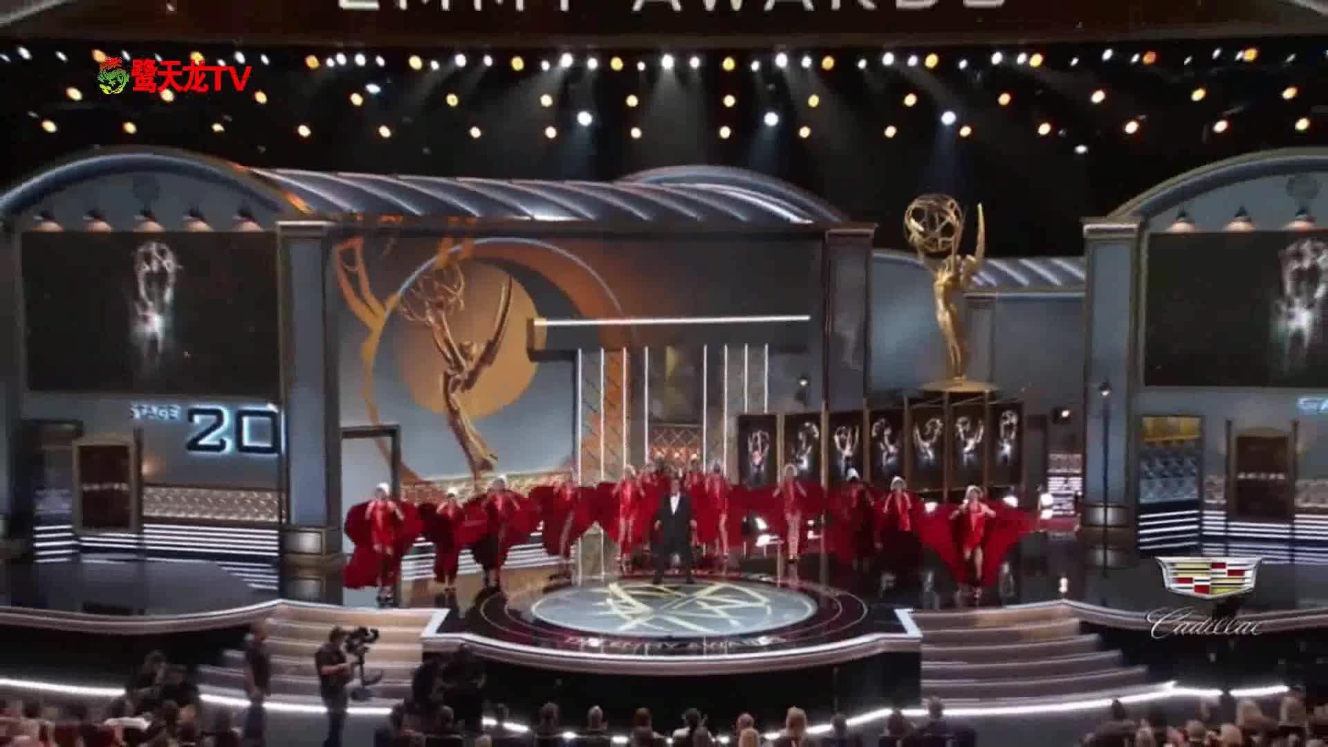 艾美奖颁奖典礼:知名脱口秀主持人史蒂芬·科拜尔开场秀
