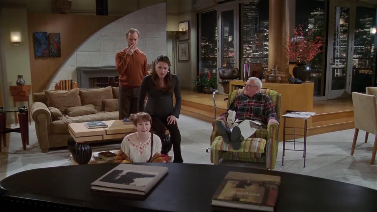 电视机里居然发出惨叫,还说杀了她吧,原来是在生小孩!