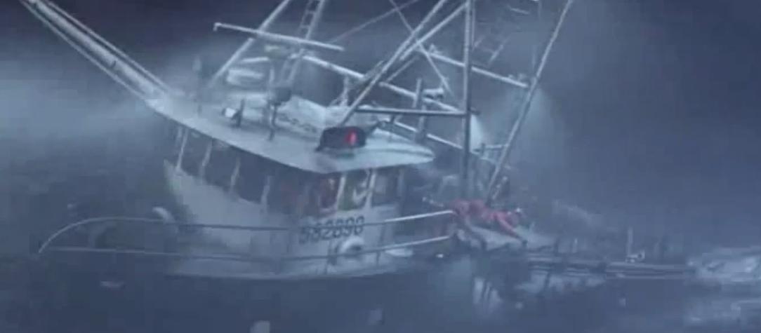 #羞羞看电影#三个风暴组团来袭,渔船老板信心满满挑战大自然,结果就悲剧了