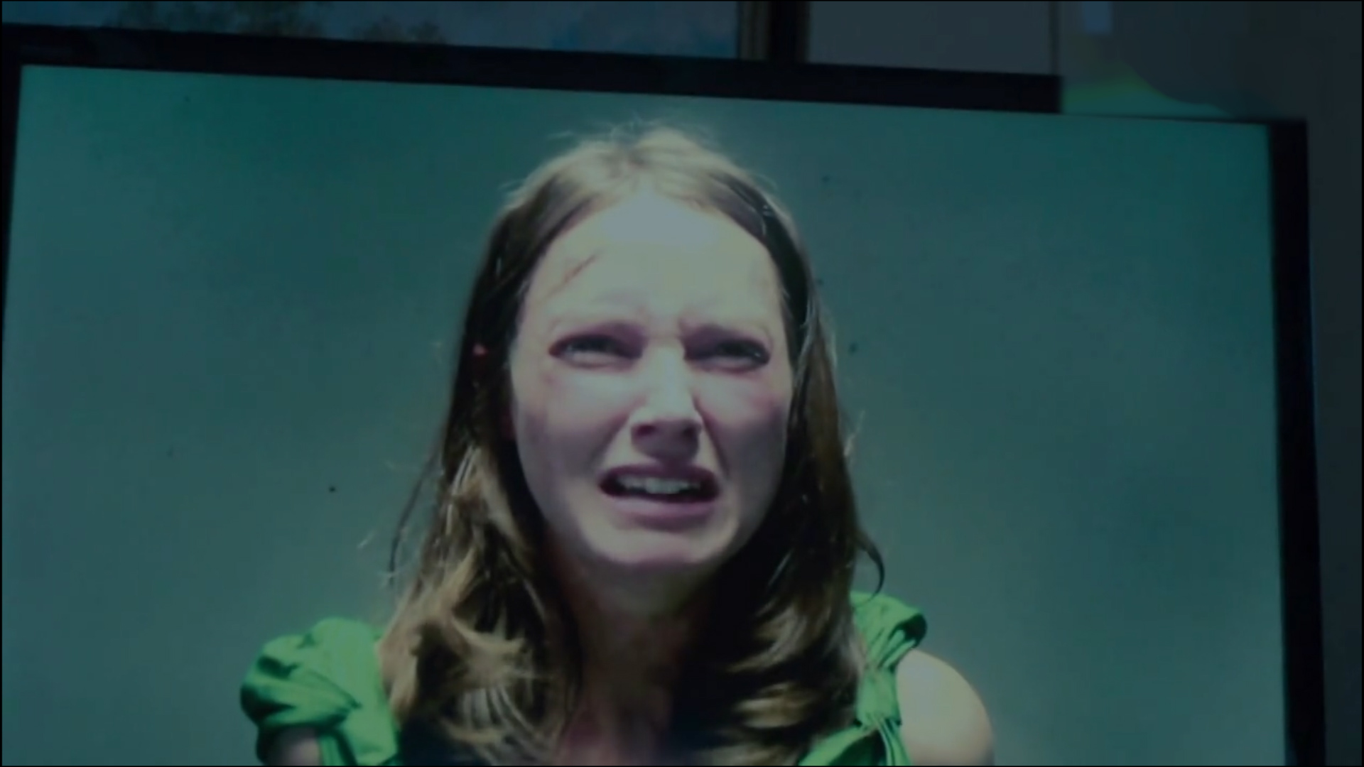 #电影最前线#黑镜第一季,绑匪绑架了公主,居然只是为了让首相直播X母猪!