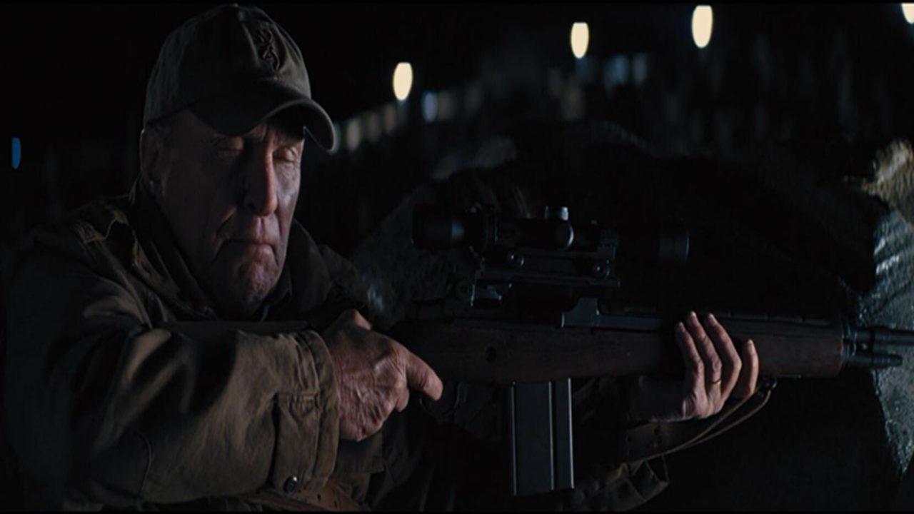 #爆笑看电影# 70岁的神枪手,只需要听声音,就能确定敌人的位置!