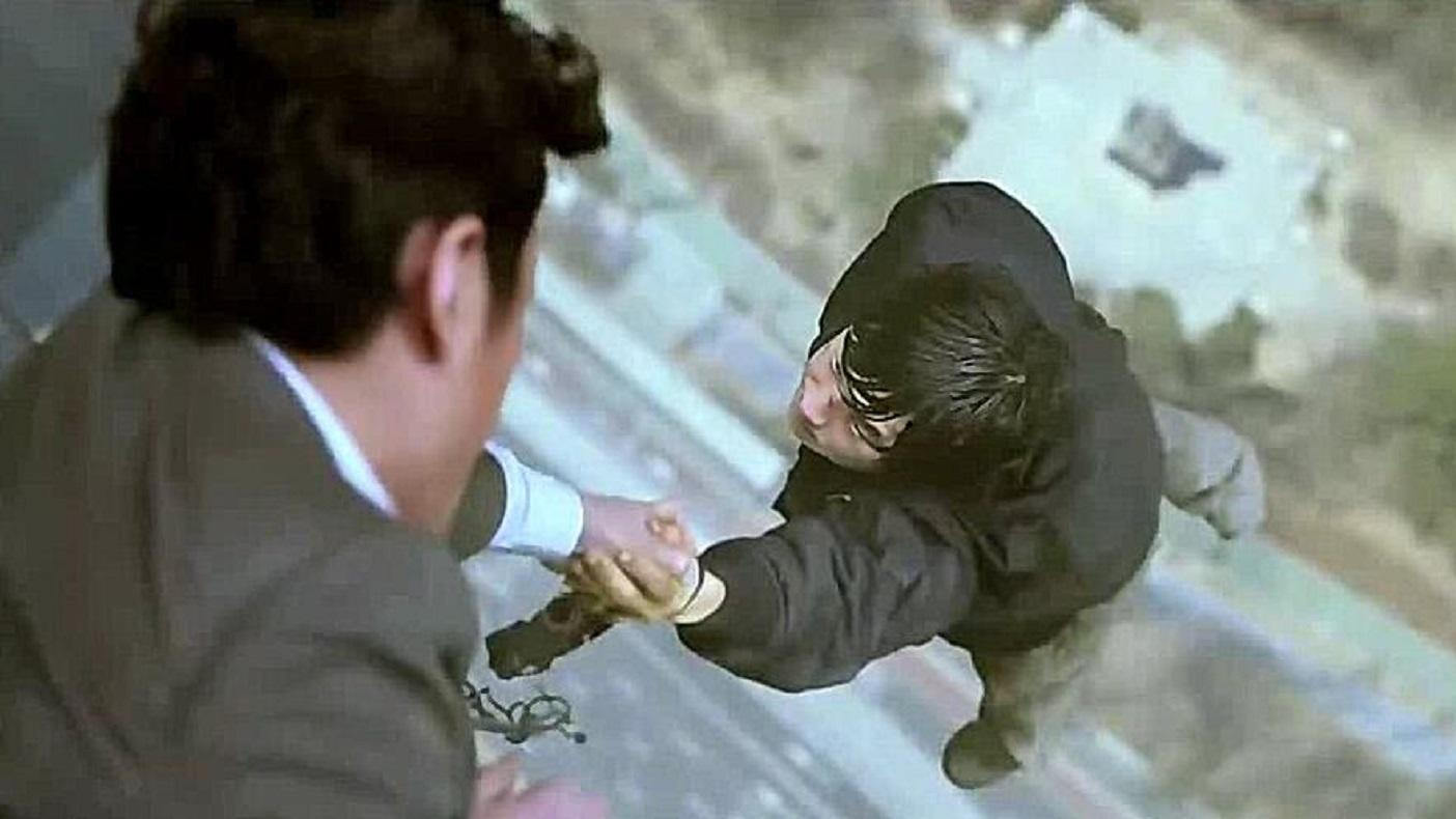 #电影迷的修养#韩国灾难片《恐怖直播》:小空间大格局中道尽人性中的自私与丑恶