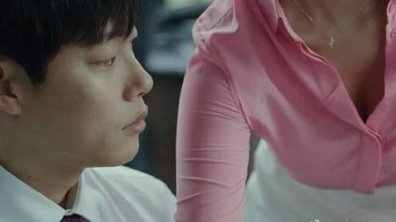 #电影迷的修养#韩国版《华尔街之狼》,男人先有钱再变坏,还是先变坏再有钱