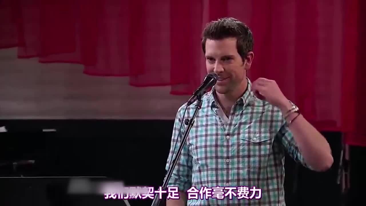 他即将和克里斯蒂娜同台演唱,看看他表现如何