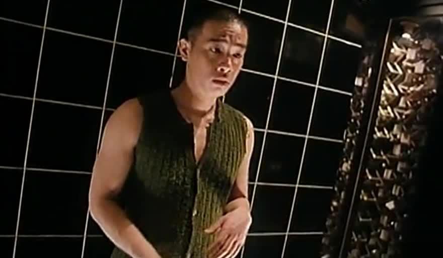 陈小春飙歌把妹起冲突
