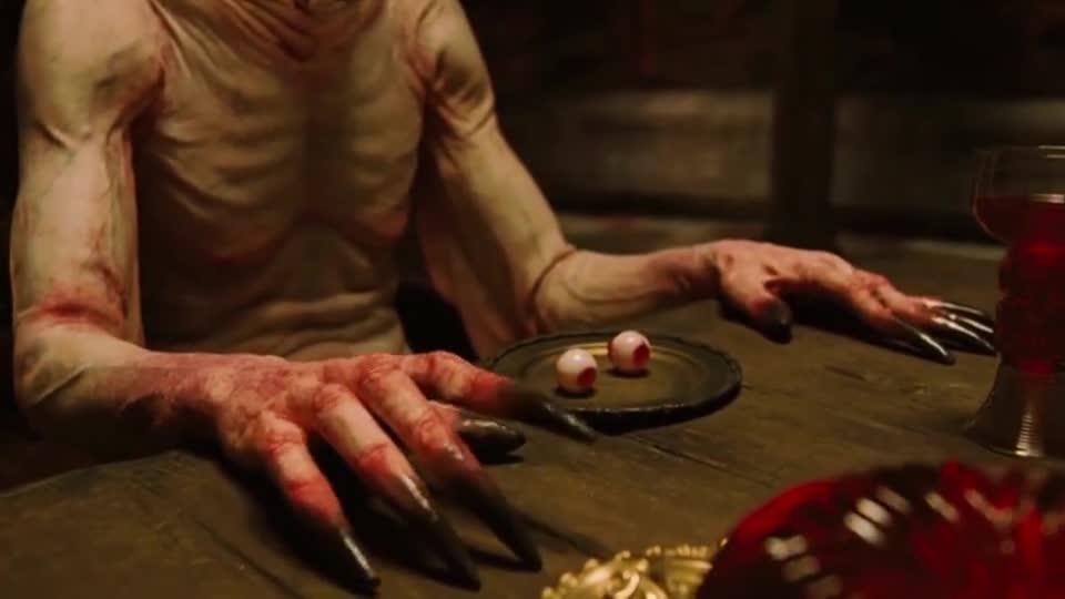 #电影迷的修养#血的教训告诉你,千万不要随便吃陌生人的东西,不然会出大事的