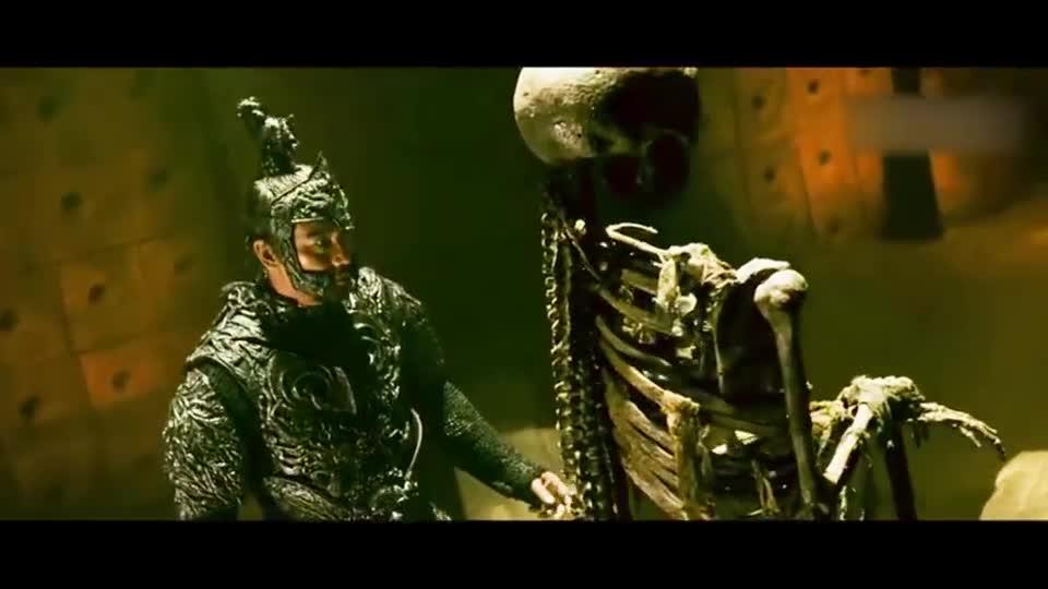 #一起看电影#小伙的得到传说中的龙骨,从此他就是天下的共主