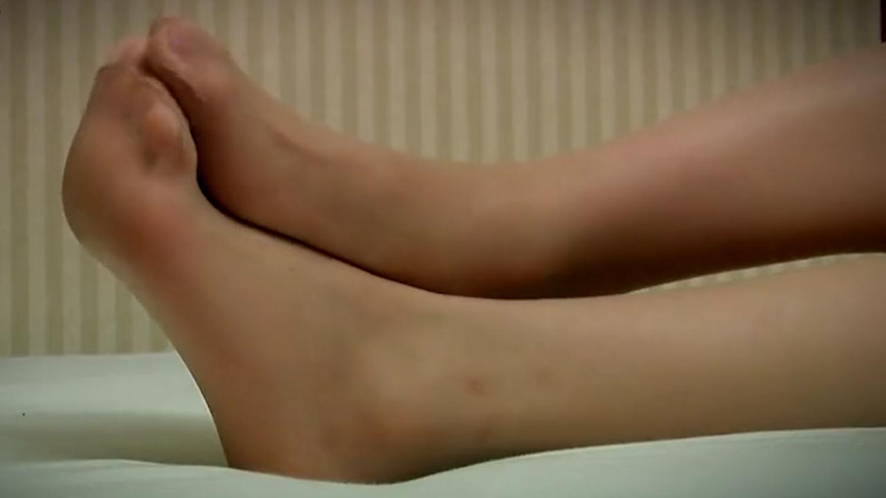 #美脚玉足#气质优雅的空姐的丝袜美足,真的很美!