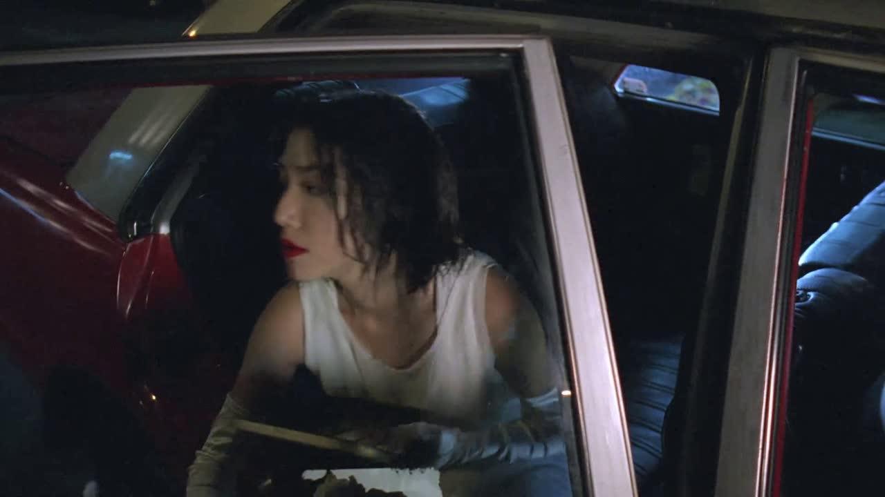 #电影片段#美女深夜装神弄鬼,只为骗取出租司机的钱