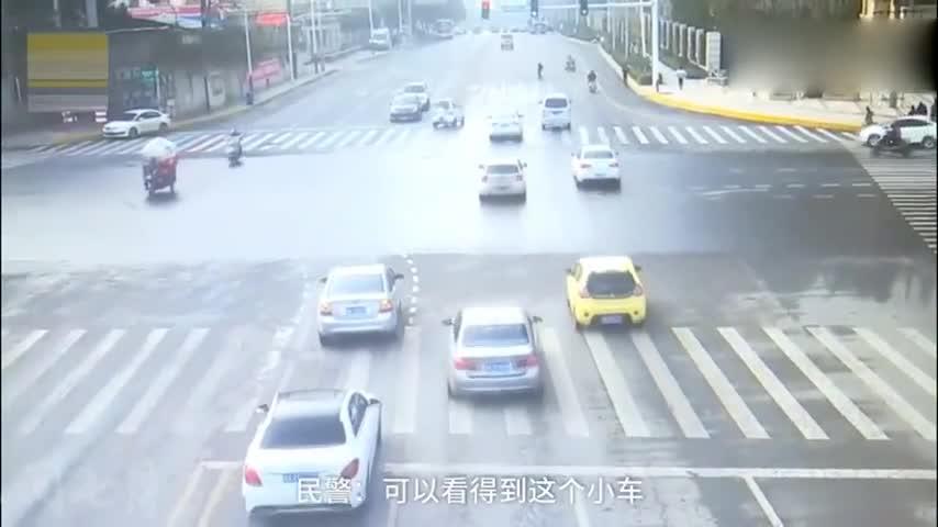 十米外就是斑马线,行人大摇大摆横穿马路,下一秒悲剧了!