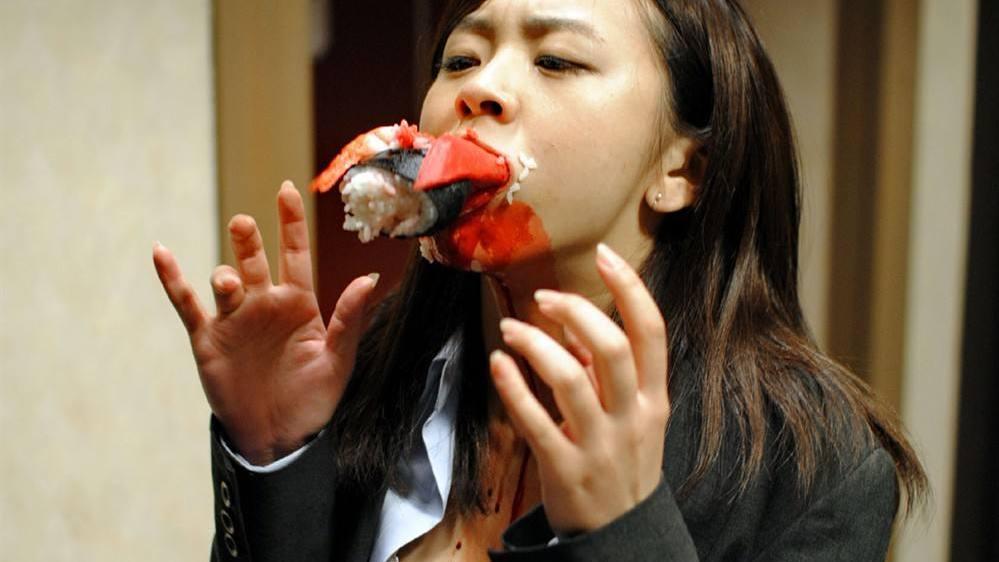 #日本脑洞电影#日本脑洞科幻电影,寿司竟然复活反杀人类!