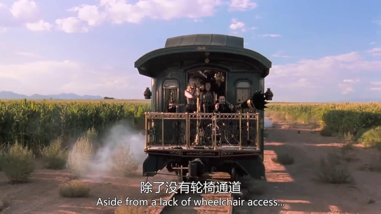 这个机器只要锁定目标就逃不过断头的命运,实在太恐怖了
