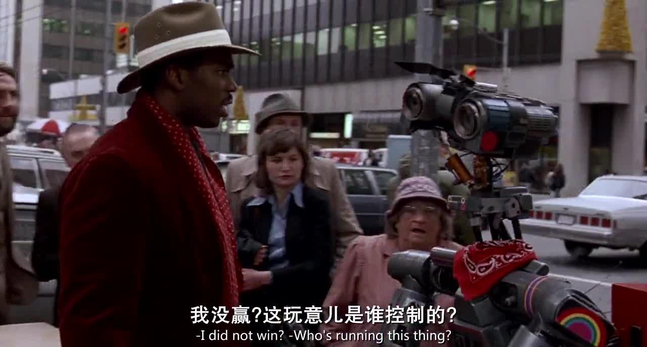 街头小混混偷车,机器人热心帮忙开锁
