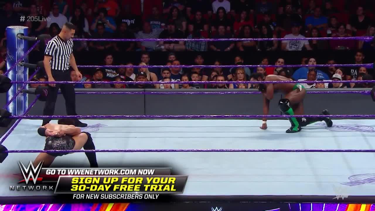 WWE直播里奇斯旺与诺姆达尔对抗