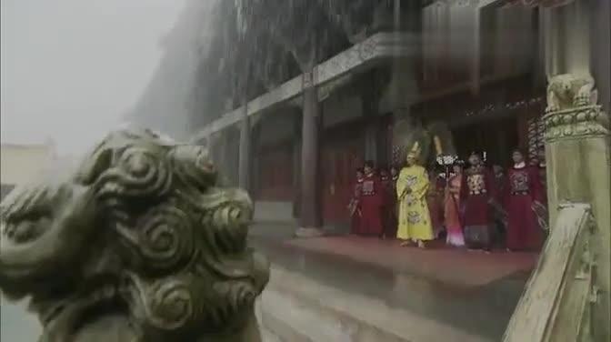 #经典看电影#恶龙扰乱人间现出原形,水漫开封,皇帝赶紧跪拜