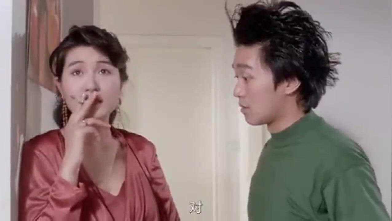 吴孟达踩到一块肥皂,失手将星爷推下楼,这段太搞笑了