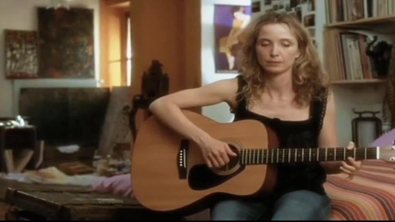 #经典看电影#爱在日落黄昏时席琳多年后再见杰西为他弹着吉他唱着歌