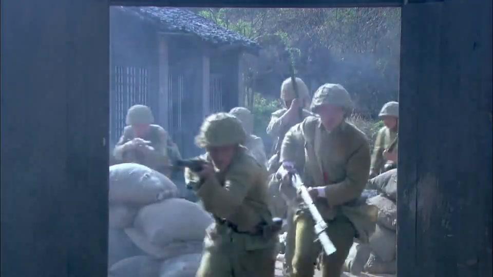 #经典看电影#抗日剧中最经典的武器,用好了,一人灭队不成问题