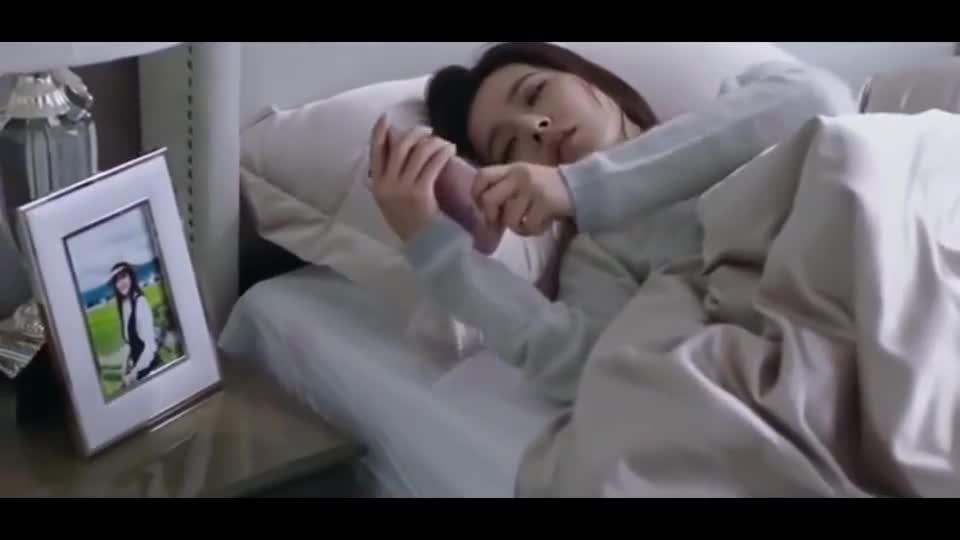 #电影迷的修养#《最动听的事》女孩睡梦中接到了这个电话,立马清醒了
