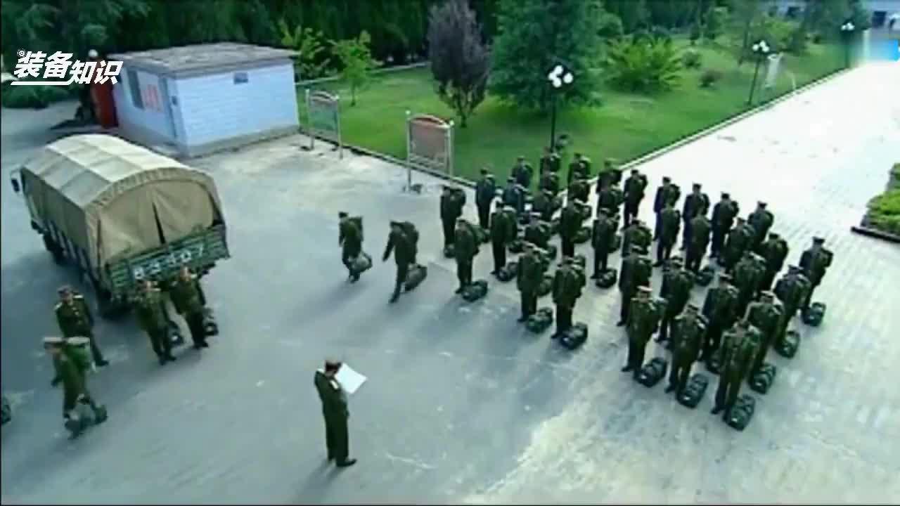 为什么《士兵突击》702团必须要裁掉钢七连呢?