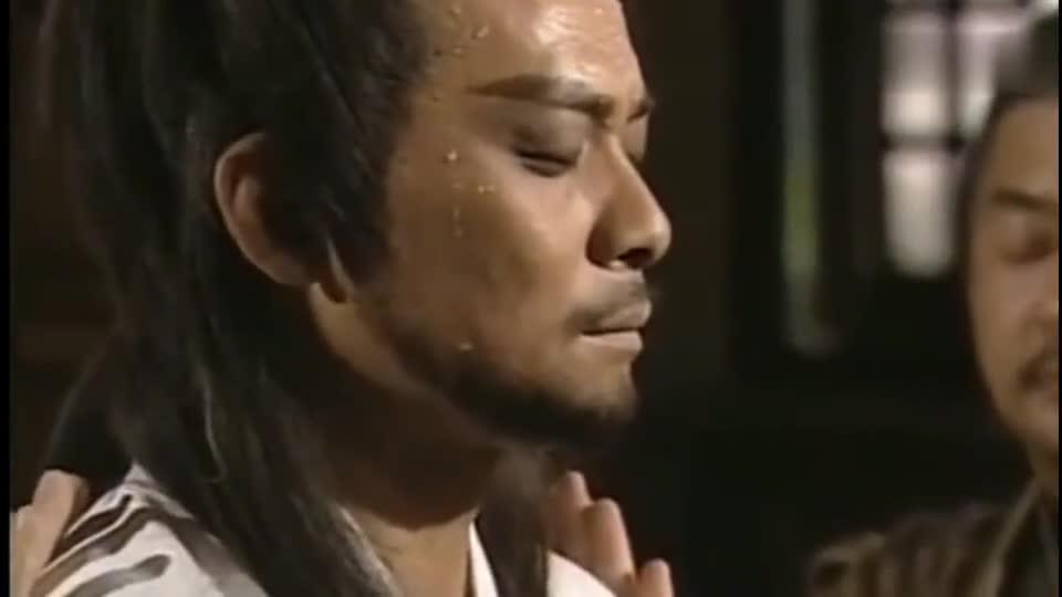 #一个电影迷的修养#《天龙八部》乔峰最厉害的武功不是降龙十八掌也不是擒龙功, 是这个!