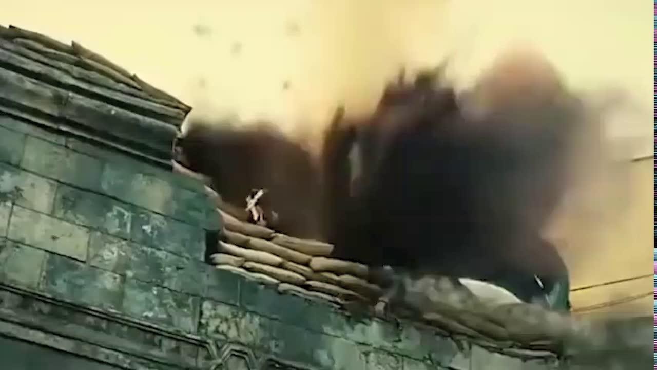 #电影迷的修养#复仇小队拯救伙伴,开着坦克冲进敌人内部,一路火花加闪电