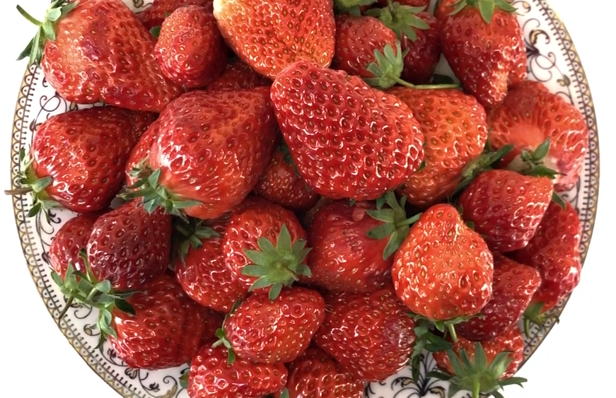 #洗草莓,干净实用#草莓不能乱洗,一招教你最干净的清洗方法,爱吃草莓的都看看