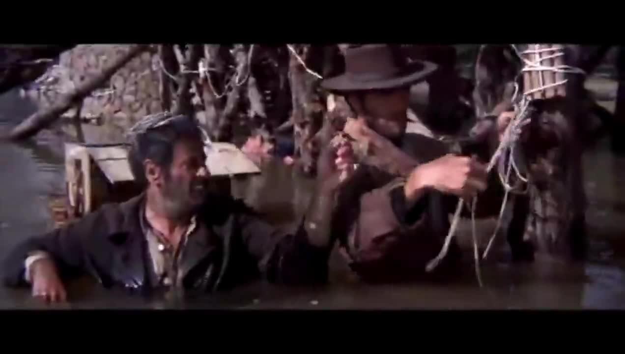 #经典看电影#西部牛仔和反派冒险在桥下安炸药,这时还不忘互相套话