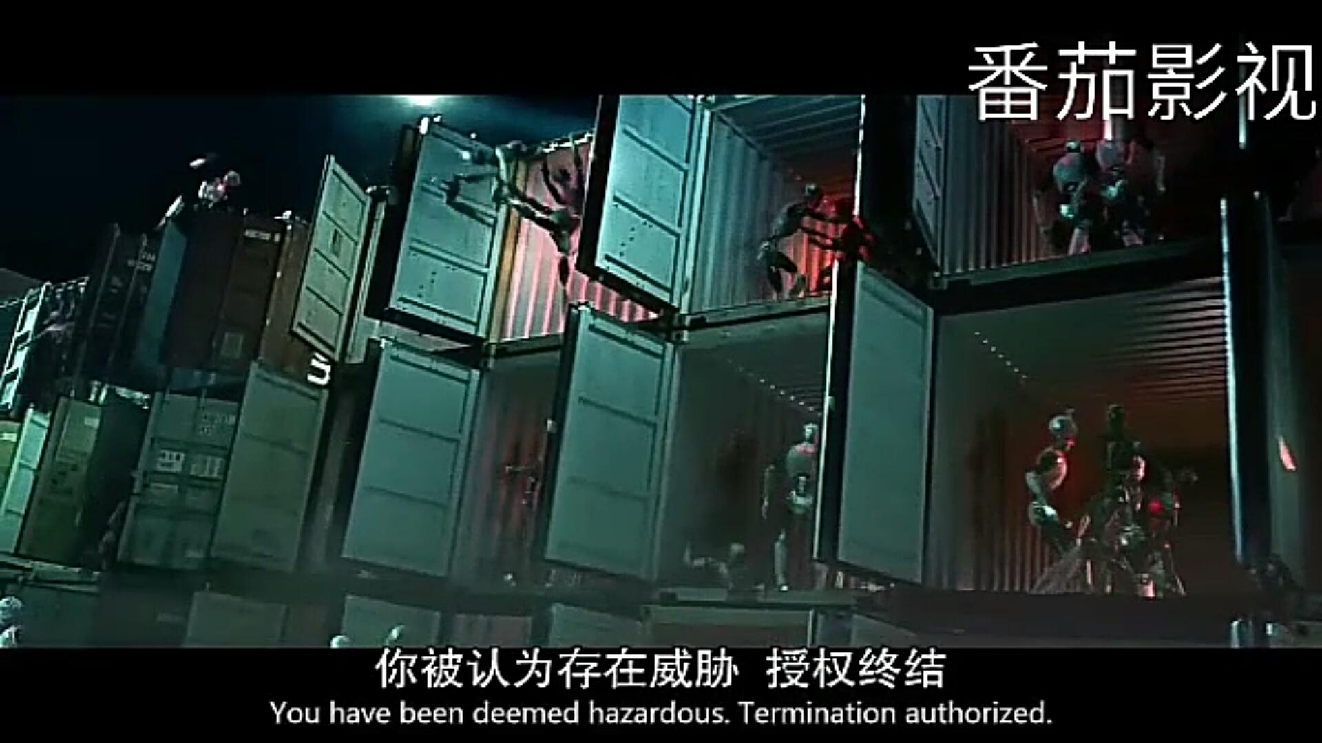 #经典看电影#先机器人摧毁老版机器人,因为老版机器人会保护人类!