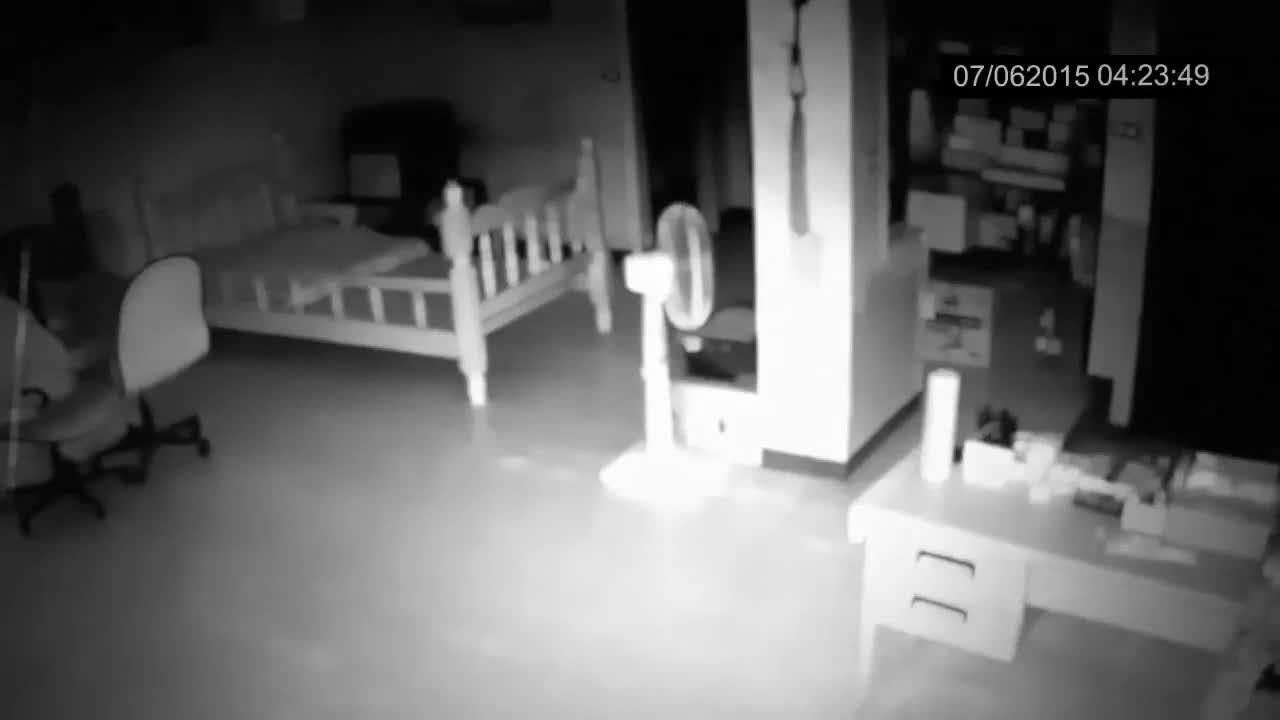 诡异可怕的幽灵出没,恐怖的画面,无法无法想象!