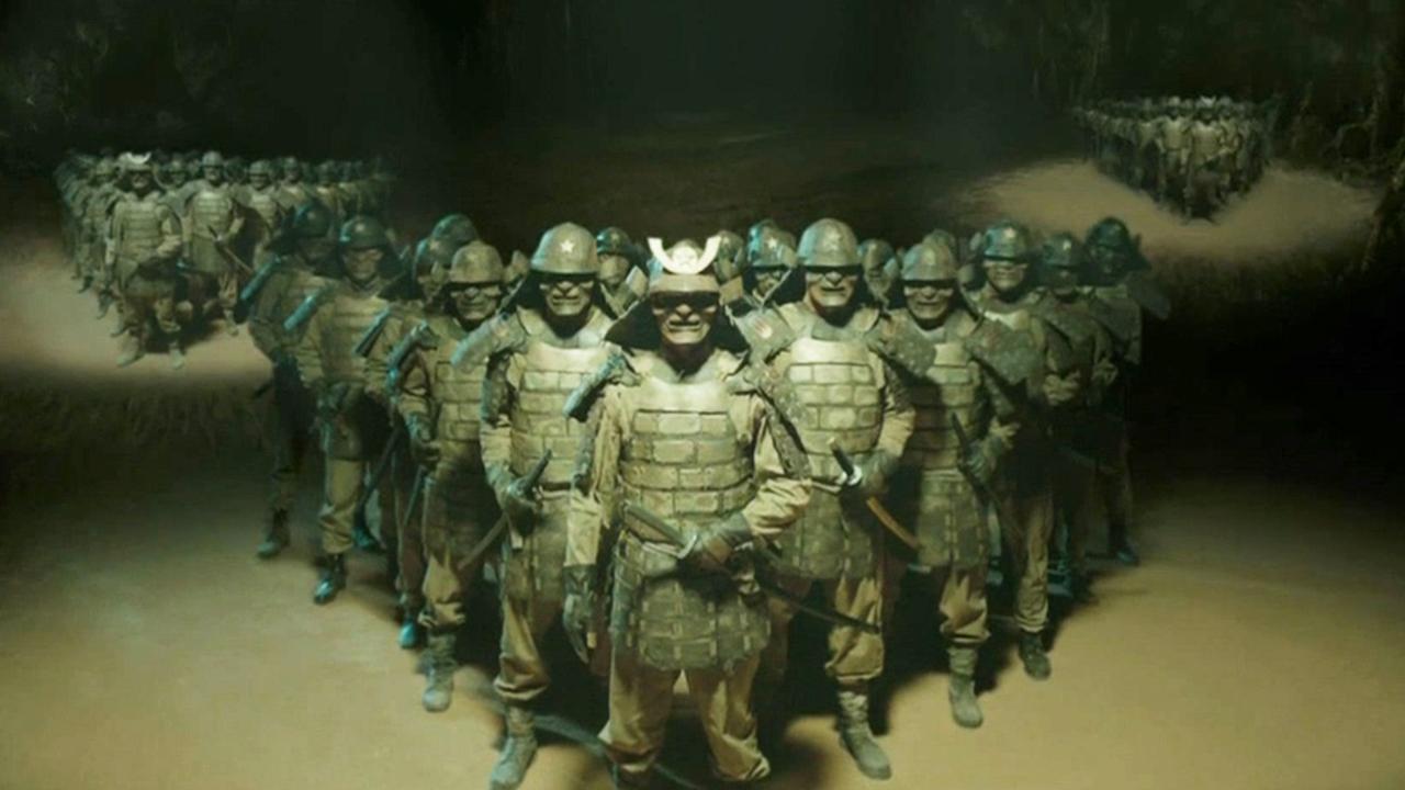 #惊悚看电影#寻宝队伍在矿井里,发现了80多年前日本活体实验品,刀枪不入!